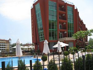 Furnished studio for sale in Sunny Beach, 500 m to the sea