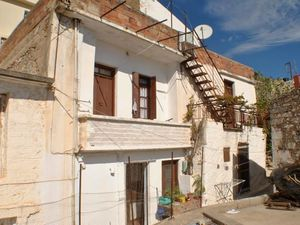 2 Bedroom Corner House. Habitable. Sea Views - East Crete