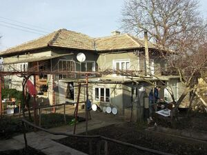 Old country house with big garden located 60 km from the sea