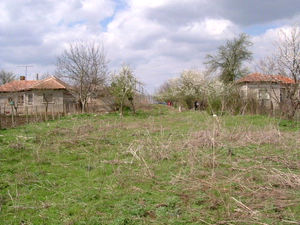 Country house with land & nice location just 15 km from sea