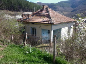 Old rural house with great panoramic views 60 km from Sofia