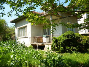 Old house with land situated in a village with mineral water