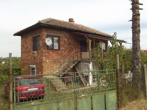 Furnished rural house with land located 15 km from big town