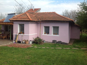 Renovated and furnished bungalow