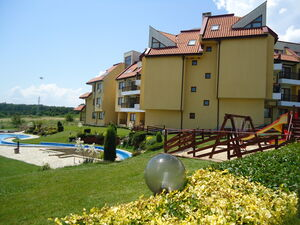 2 BED 2 BATH apartment in Kamchia resort, with sea views