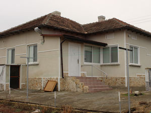 Renovated house ready to move in