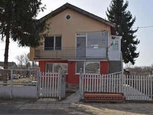 3 BED 2 BATH house near Gen. Toshevo