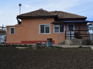 2 detached houses, 1000 sq.m. land, Dobrich area