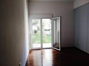 Cheap apartment in a prestigious area of Athens