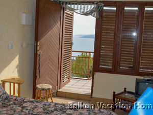 Cozy holiday cottage on top location in Albena