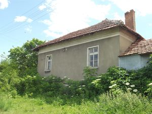 Old rural house with annex and vast yard 40 km from big town