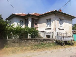 Charming property for sale in Bulgaria - house with land