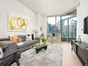 Elegant 1BD 1.5 BA plus Den/Office