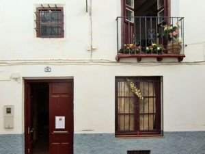 Beautiful townhouse to restore. SAL111