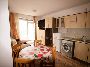 Furnished 1-bedroom apartment in complex Sunny Day 3