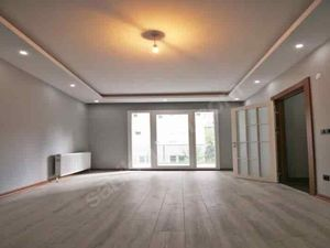 Elegnet 2+1 apartment for sale in Istanbul