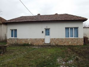 Refurbished rural property for rent just 15 km from big city