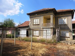 Excellent 3 bedroom house with garden Veliko Tarnovo region