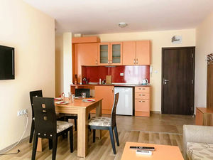 1 bedroom apartment with POOL view in Golden Eye Residence
