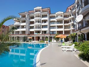Studio apartment in Chateau Valon 400 m from the beach
