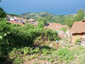 302 sqm Land for sale in Karitsa, Larissa, Greece.