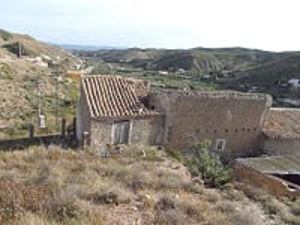 Semi detached cortijo FOR34