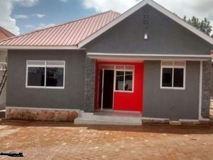 KISASI executive self contained double room house @ 450