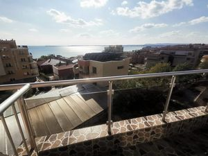 One bedroom furnished apartment in Saint Vlas ,sea view