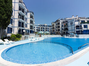 1-Bedroom apartment with Pool view in Blue Bay Palace