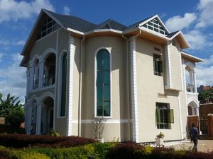 A VERY NICE UNFURNISHED HOUSE FOR RENT IN KICUKIRO