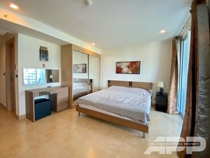 Large furnished studio with a great view