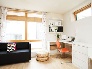 Large Self-Contained Studios in Farringdon, London - Prem 1