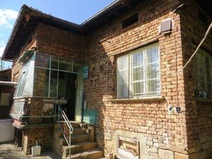 A solid, brick built 2 bedrooms house with lovely garden