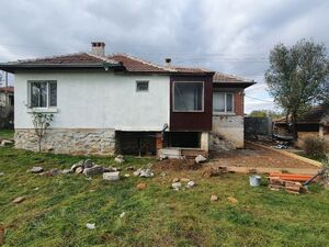 Farm House 1265sqm land with a 70sqm one story house