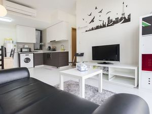 Apartment in Singapore, 2 bedrooms, 2 bathrooms, sleeps 6