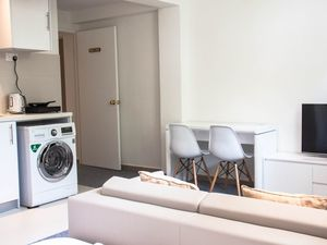 Apartment in Singapore, 1 bedroom, 1 bathroom, sleeps 5