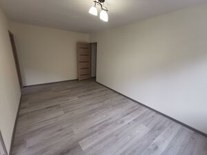 For sale newly renovated 3 rooms flat in the center of Naujo