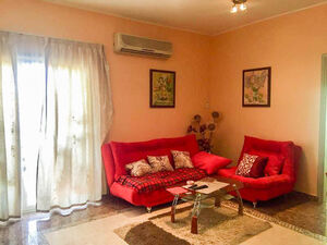 Fully furnished 2 bedroom apartment close to La Perla hotel