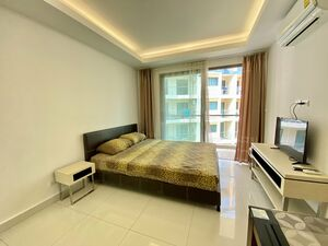 For sale studio with pool view on Jomtien beach in Pattaya