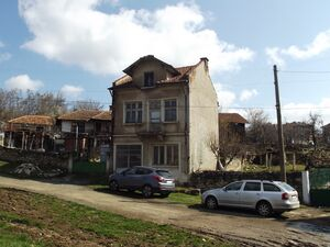 Solid house with big barn & plot of land 100 km from Sofia
