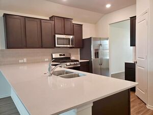 Gorgeous brand new 3 bed 2 bath for rent in Texas
