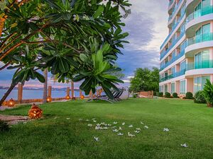 Paradise Ocean View Beachfront Condominium In North Pattaya