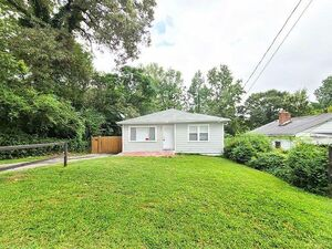 Newly renovated 4 bed 2 bath family home for rent in Atlanta