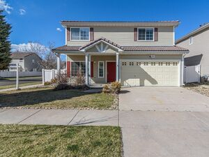 Upscale 3 bed 2 bath house for rent in Denver