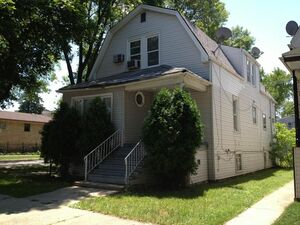 Lovely 4 bed 2 baths house for rent in Chicago