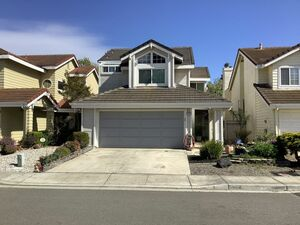 Cozy 3 bed 2 baths home for rent in Fremont