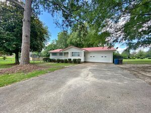 Fully remodeled 3 bed 2 bath home for rent in Hattiesburg