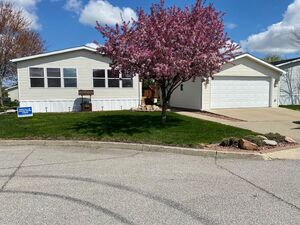 Beautiful 3 bedroom 2 baths for rent in Waukee