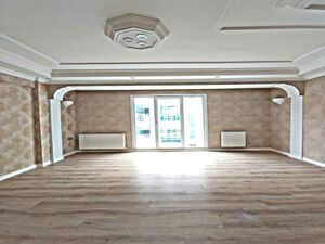 3 BEDROOOM APARTMENT AT CENTER