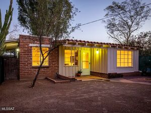 Beautiful 2 beds 1 bath house for rent in Tucson